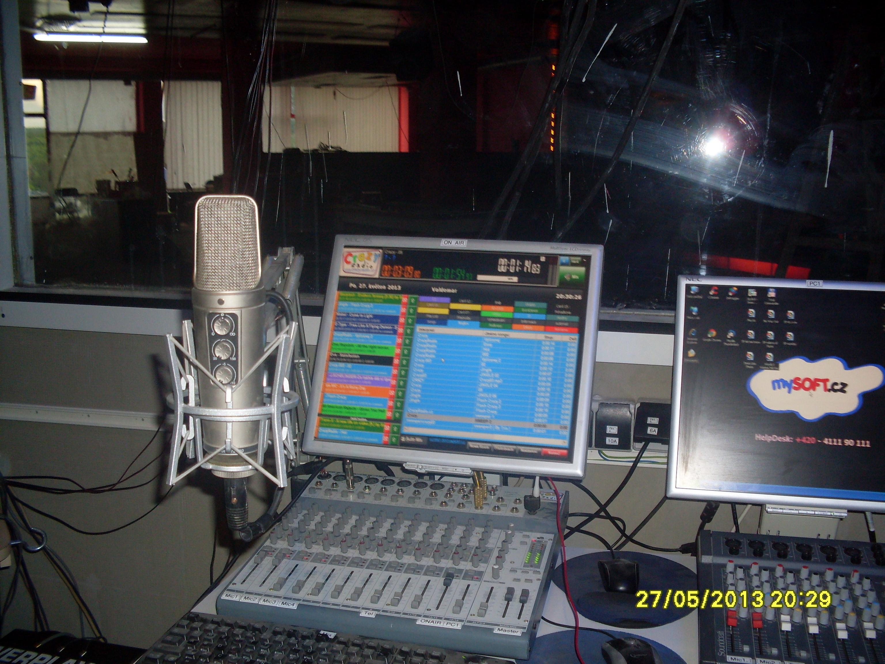 Studio Crazy Rádia v Crazy Music Baru v Mostě, budova Sport